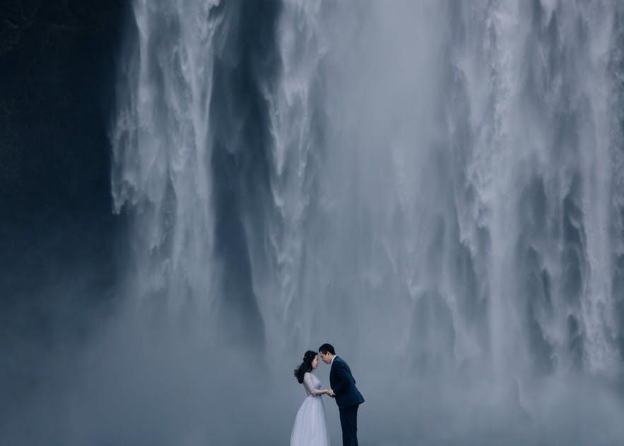 冰岛瀑布旅行团