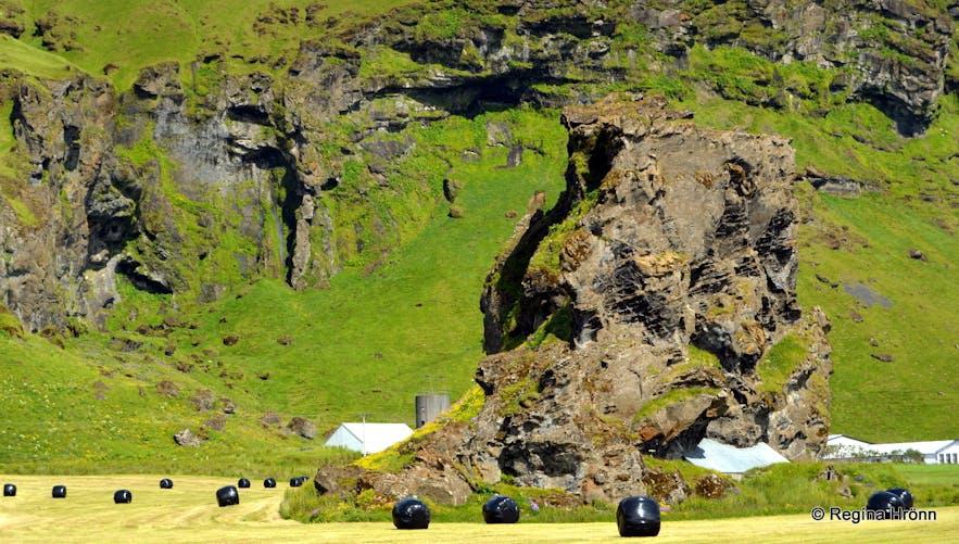 Drangurinn in Drangshlíð and the Elves in South-Iceland - Icelandic Folklore