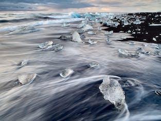 1泊2日ヨークルスアゥルロゥン氷河湖へ|氷河ハイキング付き