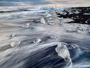 2 Day South Coast, Jokulsarlon Glacier Lagoon, Glacier Hike & DC-3 Plane Wreck Tour