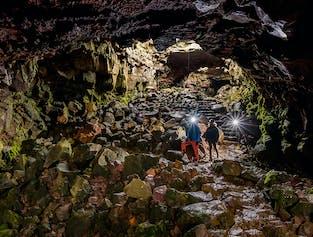 Tunnel di lava nella grotta di Raufarholshellir   Partenza da Reykjavik