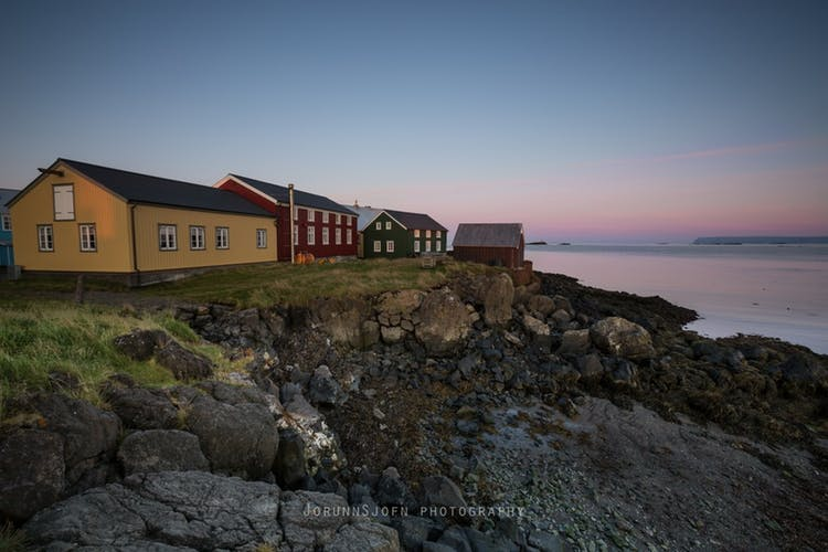 夏のセルフドライブツアー15日間|アイスランドの温泉を巡る旅