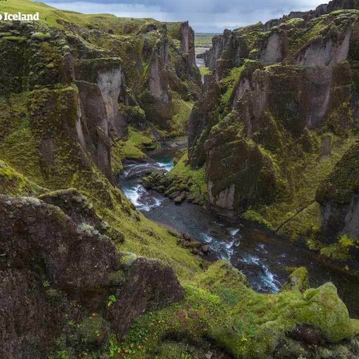 Viaje de dos semanas por carretera en Islandia durante el verano