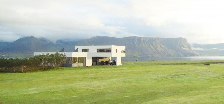冰島西部峽灣住宿
