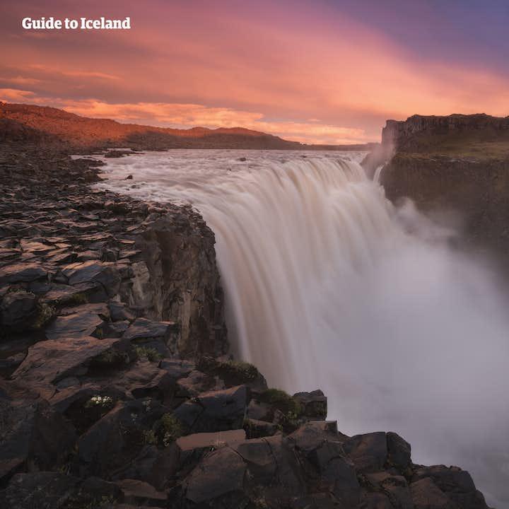 夏のセルフドライブツアー10日間|アイスランド西北部