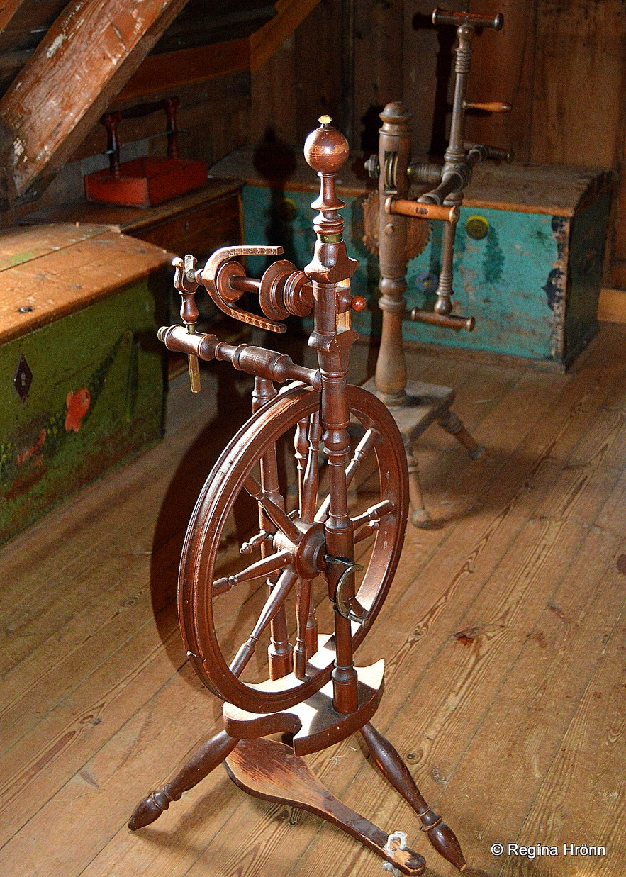 Skógasafn museum - an old spinning wheel
