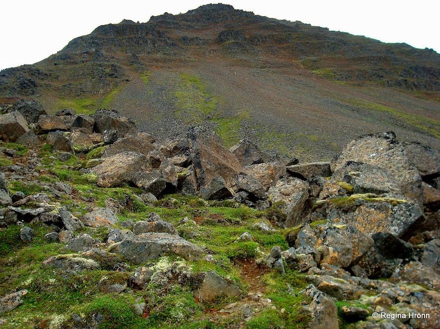 Mt. Gvendarskál in Hjaltadalur valley