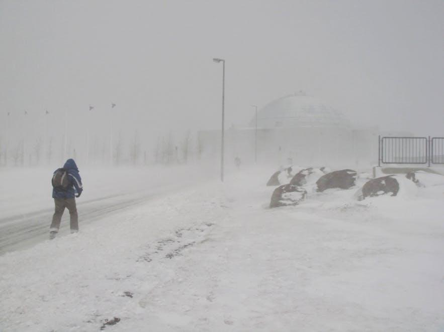 暴風雪中的冰島