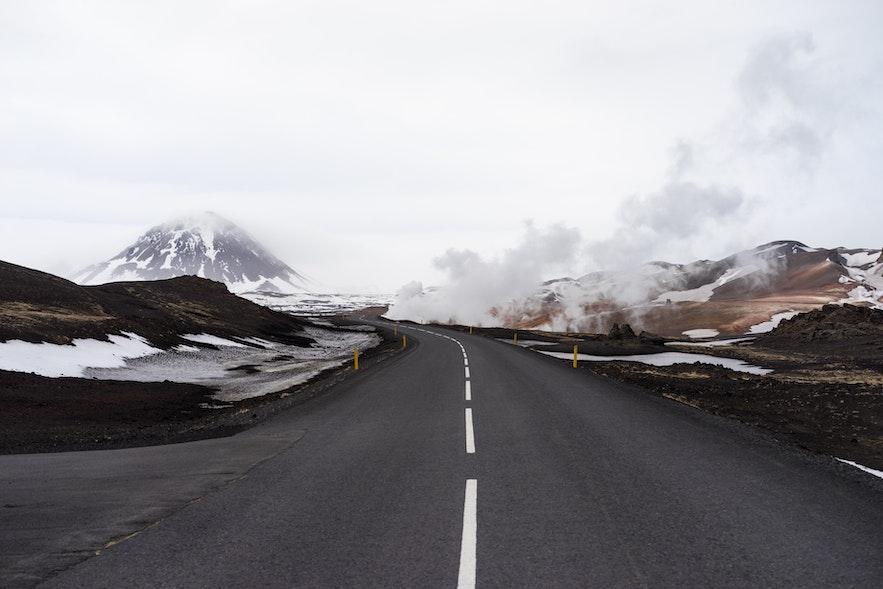 冰島自駕路邊的地熱區