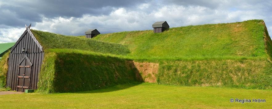 Ingólfsskáli turf longhouse in South-Iceland