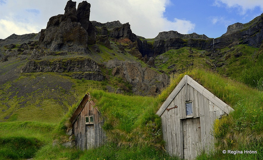 Núpsstaður turf outhouses in South-Iceland