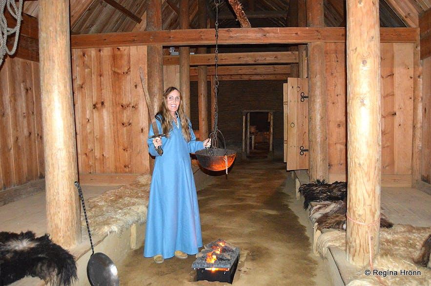 Þjóðveldisbærinn - the Saga Age farm inside