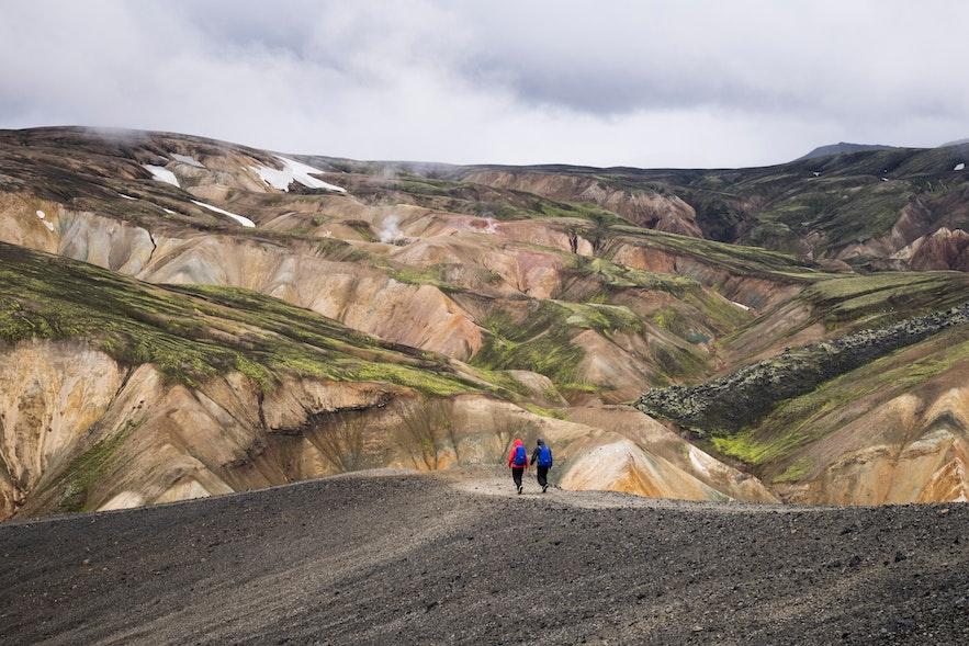 冰島彩色火山健行途中景色