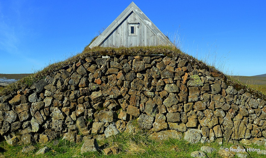 A turf house at Hveravellir in the highlands of Iceland