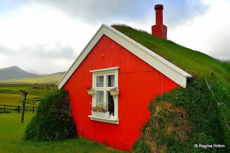 Lindarbakki Turf House in Borgarfjörður-Eystri