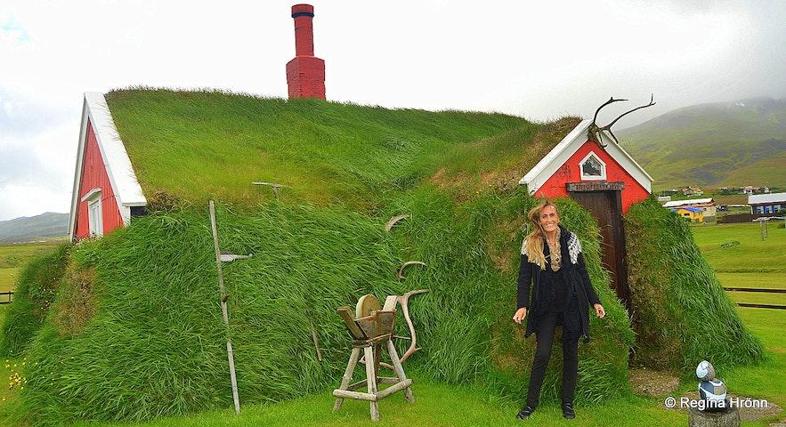 Regína by  Lindarbakki Turf House in Borgarfjörður-Eystri