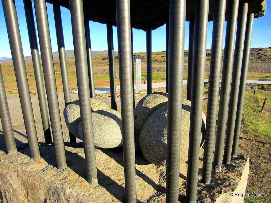 The monument Fangar frelsisins-Prisoners of Freedom at Hveravellir