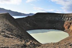 800px-Viti_Crater_Askja_Iceland_UL1.jpg