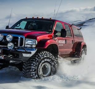 Super Jeep Tours | Guide to Iceland