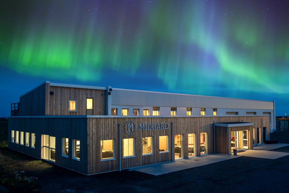 4-Day Northern Lights Adventure | South Coast with Glacier Hike