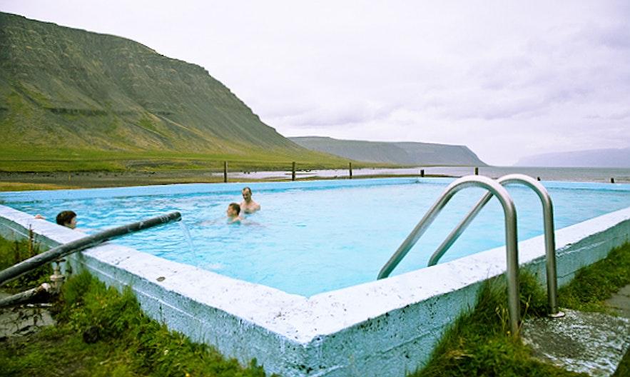 冰島西部峽灣泳池