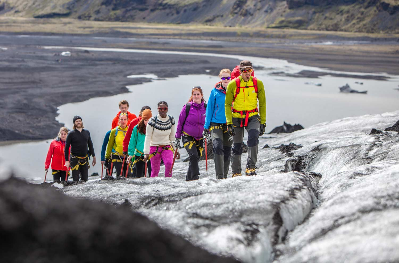 En vandring på Sólheimajökull-glaciären är en enkel introduktion till sporten glaciärvandring.