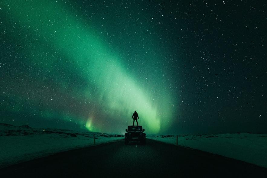 冰島自駕追極光