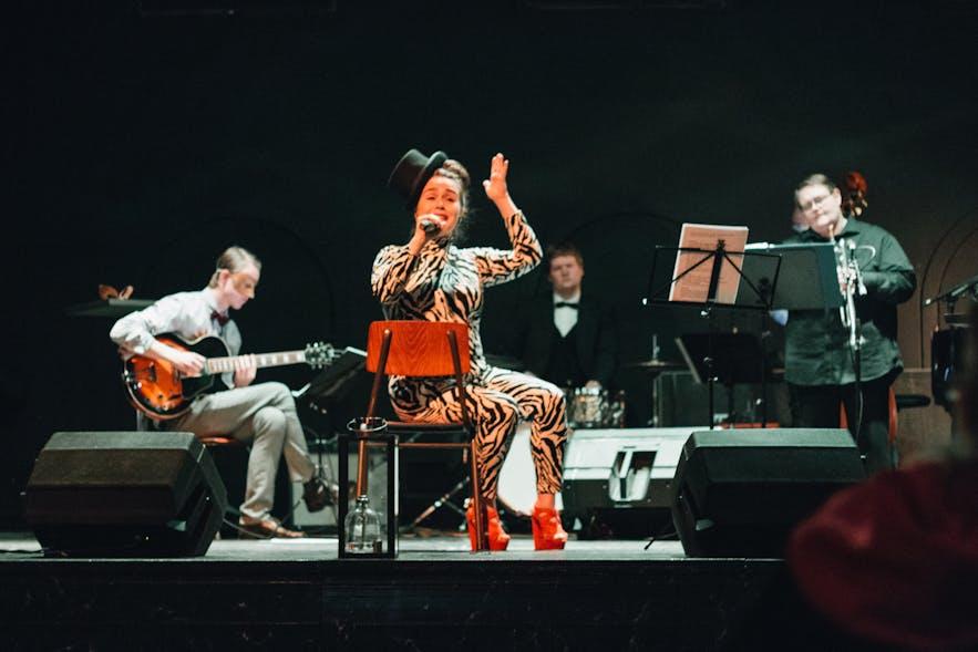 The Keystone Swingers performing at Reykjavik Poetry Brothel, Masquerade edition