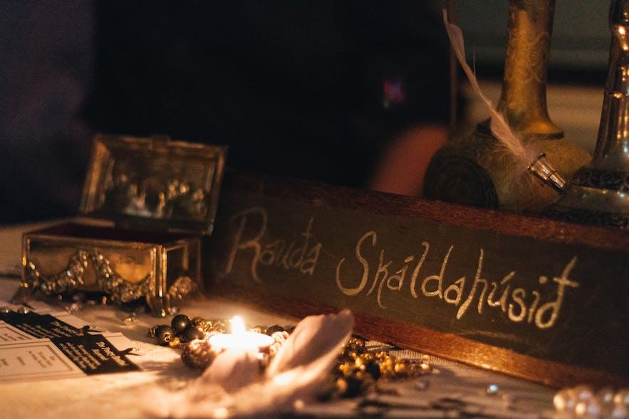 Rauða skáldahúsið in Reykjavík, an immersive poetry, theatre and cabaret performance