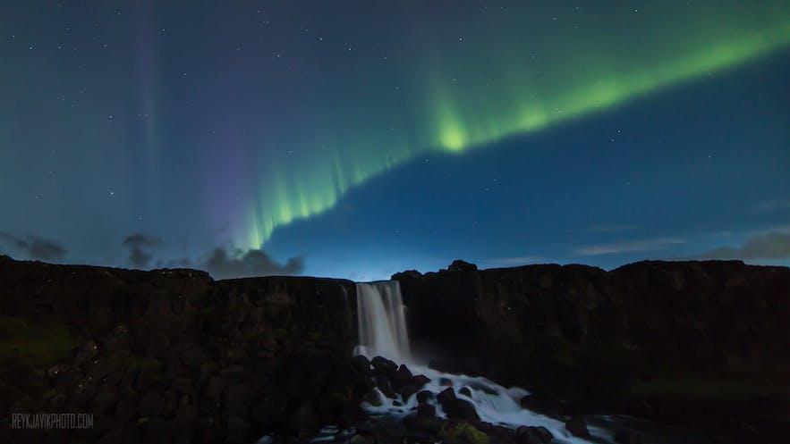 冰島本地極光巴士團