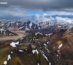 Zdjęcia lotnicze obszaru geotermalnego Landmannalaugar w interiorze na Islandii.