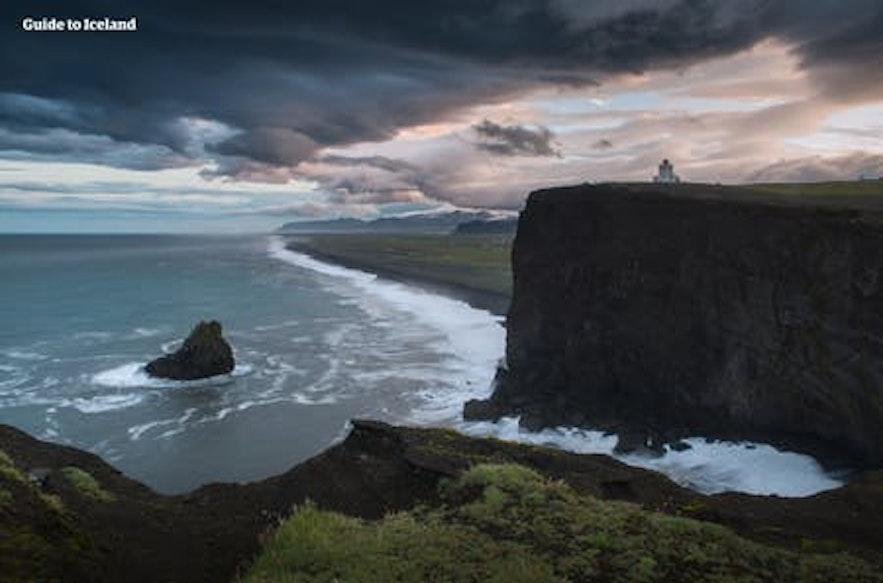아이슬란드 남부 해안의 남쪽 끝에 위치한 디르홀레이 반도