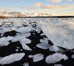 Les icebergs de Jökulsárlón sont disponibles dans un nombre infini de tailles et de formes.