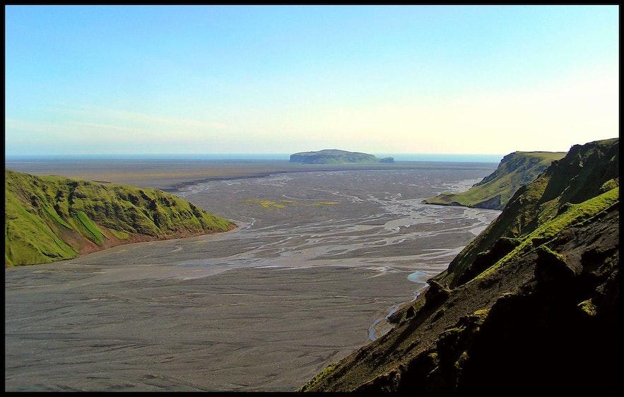 Myrdalssandur is an outwash plain in South Iceland.