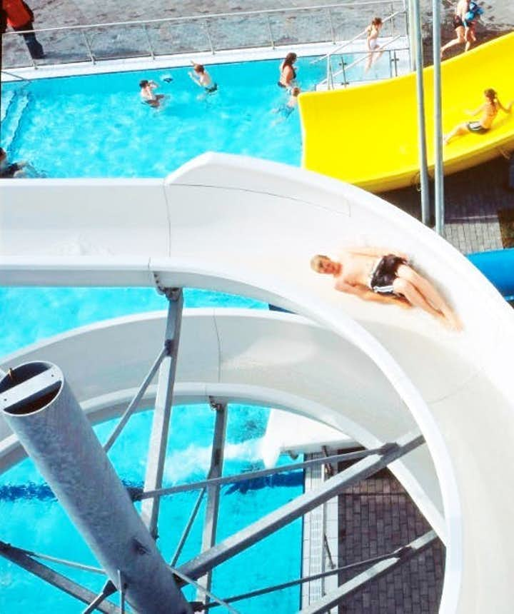 Swimming Pool Etiquette in Iceland