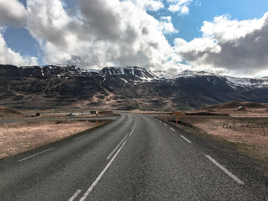 Here's What You Need to Know if You Are Renting a Car in Iceland