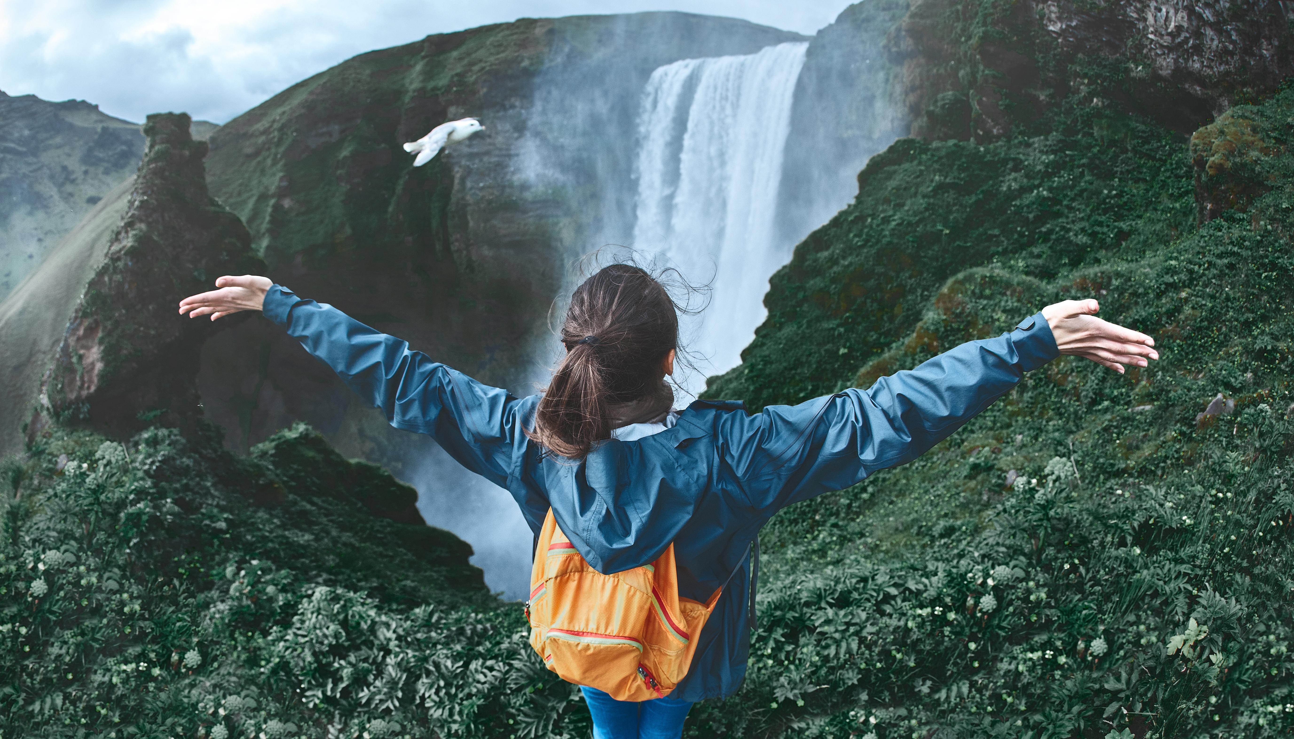 Skogafoss es una magnífica cascada en la costa sur de Islandia.