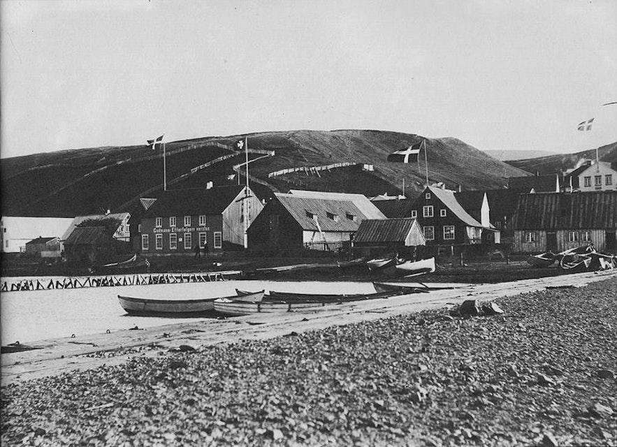 Miasto Akureyri z XIX wieku, północna Islandia.