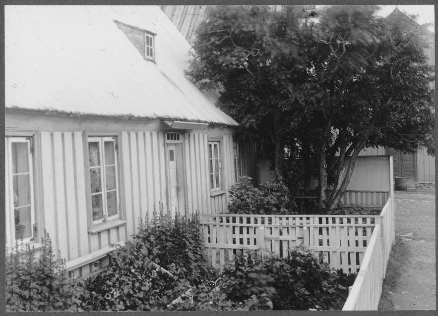 A home in Akureyri, photographed in 1900.