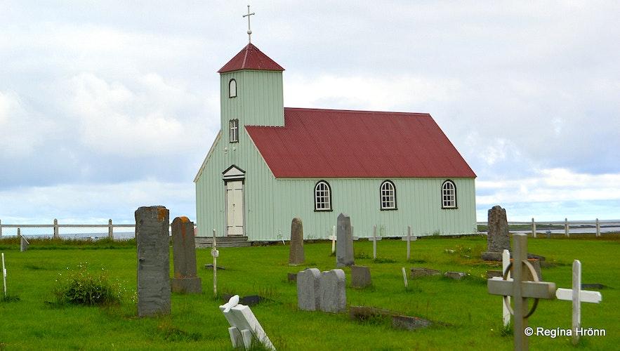 Trékyllisvík at Strandir ö Árneskirkja church