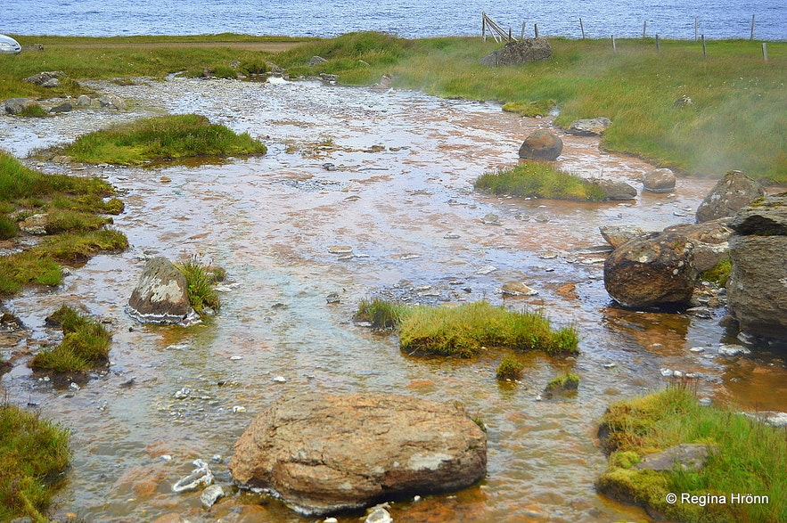 Krossneshverar geothermal pool at Strandir