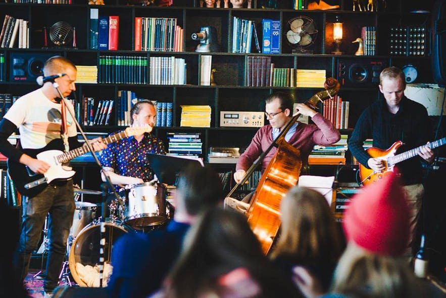 Where are the best venues for live music in Iceland? What type of live music is regularly performed in Reykjavík?