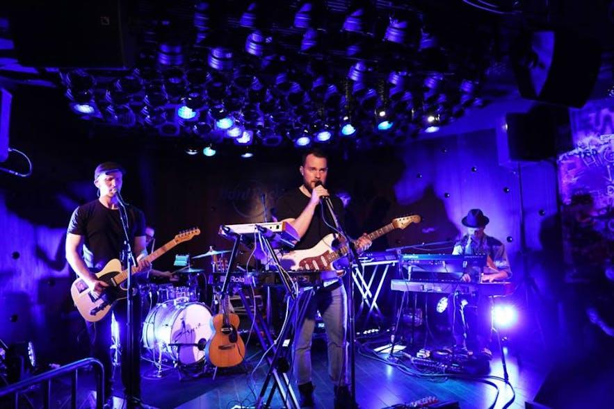 El Hard Rock Cafe de Reikiavik abrió sus primeros negocios en 2017.