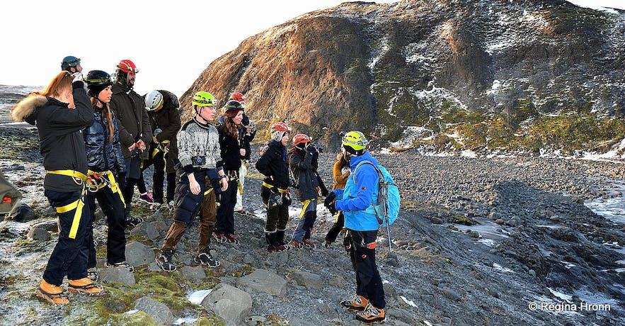 Hiking to Fláajökull glacier
