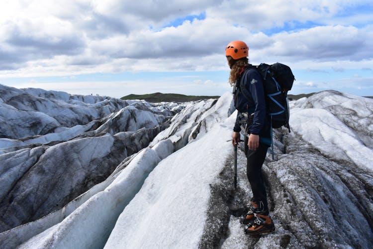 Debout au sommet d'un glacier islandais, vous vous sentirez littéralement «au sommet du monde»!