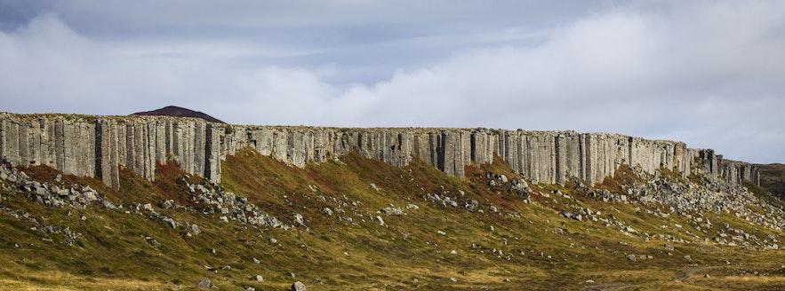 冰島斯奈山半島玄武岩石牆