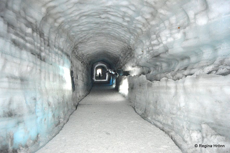 The ice cave tunnel - Into the Glacier