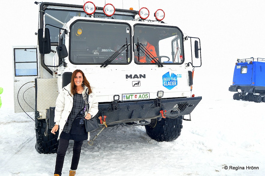 Regína by the 8-wheelmonster glacier truck, a former NATO missile-launcher truck
