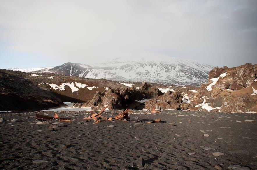 斯奈山半島Djupalonssandur 黑沙灘