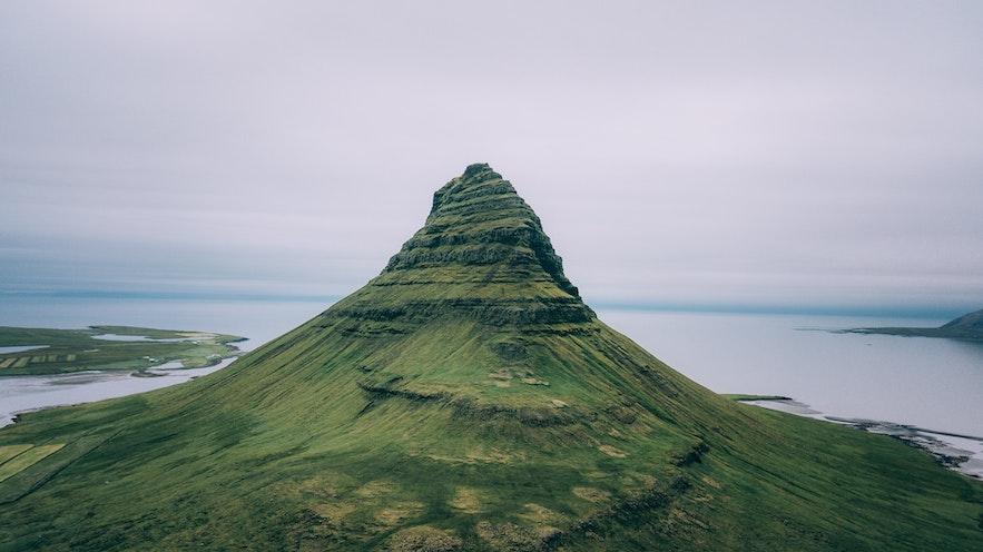 冰島教會山